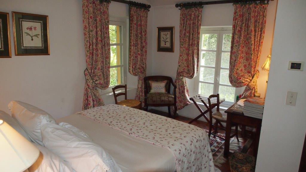 Room Centifolia